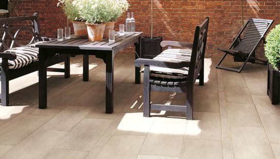 fliesen f r terrasse balkon fliesenleger plaster. Black Bedroom Furniture Sets. Home Design Ideas